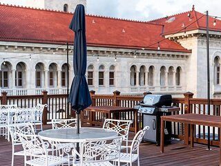 Central Historic District Condo w/ Rooftop Deck by Lucky Savannah