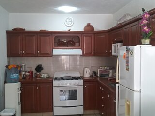 Family Friendly Gated Complex Close To Everything. 2 bed 2 bath sleeps 5 people
