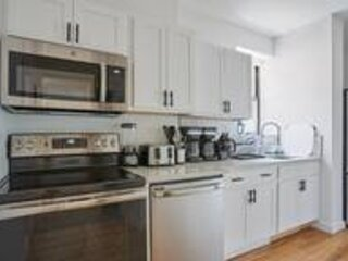 Amazing 4BR apt in Bed-Stuy, holiday rental in West Stockholm