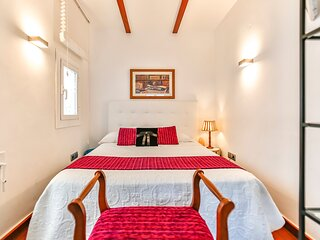 Comfy Holiday Apartment for 3 People on the 'Street of Sin' of Sitges