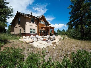 Award Winning Home on 3 Acres - 9 Min. to Durango - Fire Pit/Ping Pong