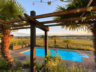 Oasis Vineyard Escape