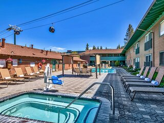 Great for Groups! Scenic Views! Close to Shopping, Entertainment, Nightlife!