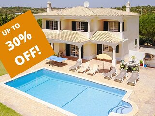 UP TO 30% OFF! MONTE DOS AVOS Country villa,private pool, AC,WiFi, 1,5km to Guia