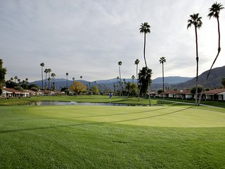 luxurious 2 bedroom condo  newly remodeled  6th Hole getaway!