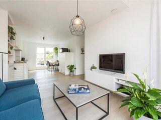 ★Brand new bright apartment(4p) w A/C near centre★