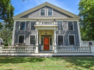 #531: Chicly renovated Antique home, centrally located, huge private yard!