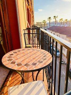 Juliette-balkong utanför vardagsrummet. Bästa stället för en kvällsdring.
