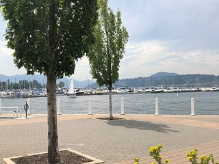Fully furnished 2 bedroom waterfront condo