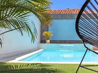 Town holiday cottage with private pool