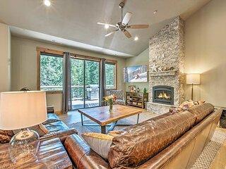 Tahoe Treetop Villa: Private Hot Tub & Foosball, Near Northstar & Kings Beach