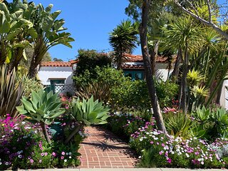 Luxury Santa Monica 3 bed/3bath Spanish Home