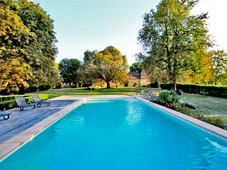 CHATEAU D'URVAL: 17THcent.. CASTEL & HEATED POOL SET IN DORDOGNE GOLDEN TRIANGLE