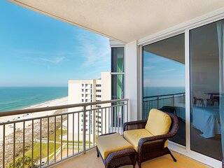 9th Floor Cozy, Open Condo, Views, Beach Chairs Included
