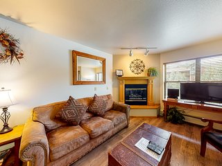 Downtown location near dining and skiing, with on-site pool & hot tub!