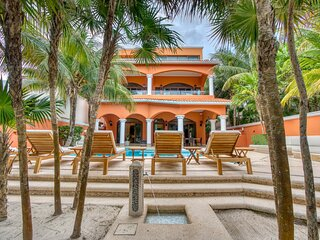Beautiful, Luxury -Villa Sueno del Mar located in Soliman Bay