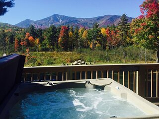 View the mountains and changing foliage from the hot tub on your spacious deck!