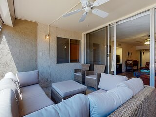 New listing! Inviting retreat w/ furnished balcony, shared pool - ideal location