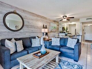 New listing! Family-friendly beach retreat w/shared pool/free WiFi - near beach!