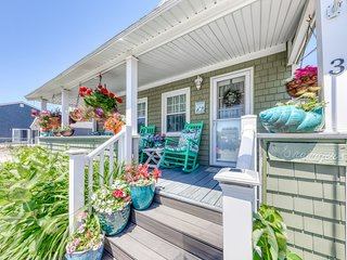 New listing! Beach home w/porch, backyard, shared grill, & picnic area - dogs OK