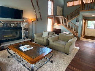 New listing! Spacious, family-friendly home close to the slopes & hiking trails