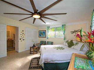 Island Retreat 2 blocks from Kailua Beach Park and Downtown