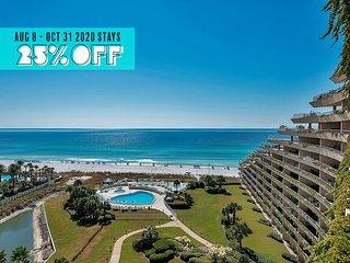 BEACHFRONT Resort + FREE Beach Service, Pool/Hot Tub & FREE VIP Perks + MORE!
