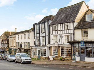 Charming Cotswold Getaway Apartments in Burford