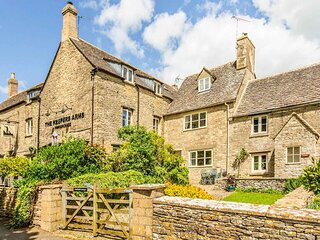 Quintessential Cotswold Cottage near Cirencester