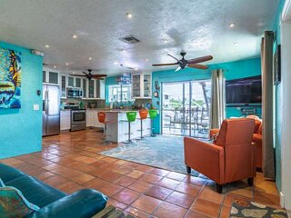 Prime Time - Tropically Themed Canal Front Duplex On Big Pine Key, Quick Access