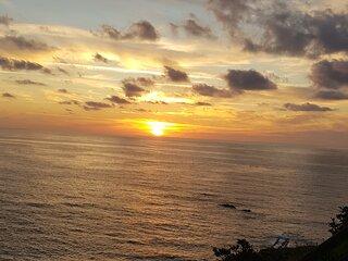 BAJO CON TERRAZAS.Centrico y tranquilo  con vistas .playa de Laredo 5km
