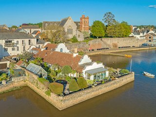 Wixels - Stunning waterside converted sail loft