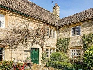 Stone Cottage close to village shop, pool & pub!