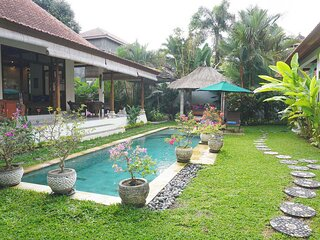 Villa Damai - Private open living villa w/ pool