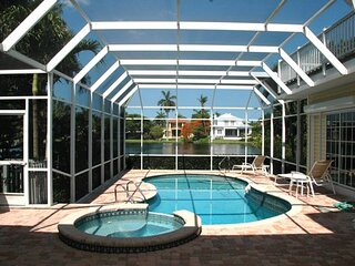 Lakefront Pool Home in Olde Naples - 590