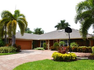 House in Pelican Bay 804P
