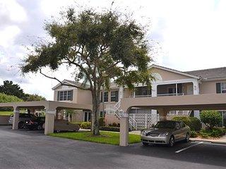 Laurel Oaks in Pelican Bay 880101