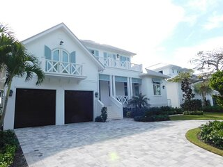 Pool Home in Aqualane Shores - 154