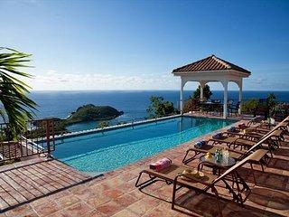 Villa Panache: Huge 6 bedroom Villa! Sleeps 14! Full A/C!