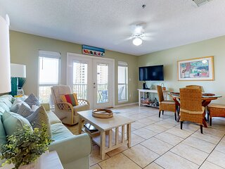 4th Floor Charming, Coastal Condo, Steps To The Gulf, Short Drive To Dining