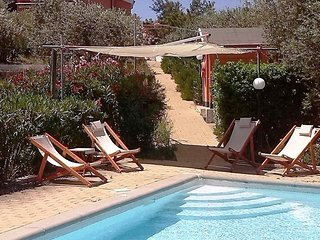 Charming villa with pool in quiet old olive grove