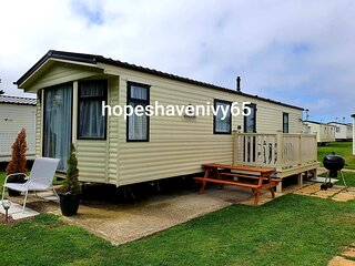 Cayton Bay 6 Berth Caravan double glazing and central heating Parkdean Resort