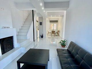 The White Chalkidiki Holiday House