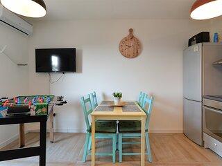 Apartment 21382
