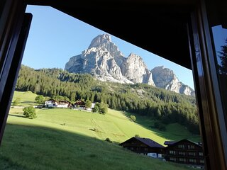 Vacanza nel cuore delle Dolomiti, al centro del Sella Ronda, in zona tranquilla.