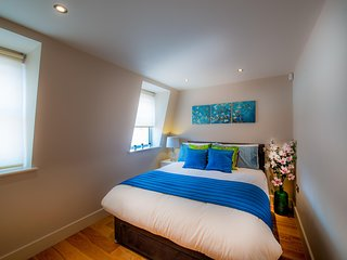 Cross St Luxury Central Reading Apartment 1bed Satellite TV Wi-Fi