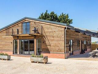Contemporary Barn Conversion in Radcot