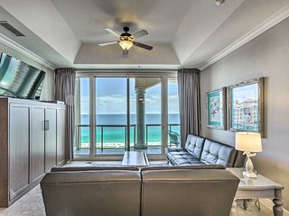 NEW! Pensacola Bch Penthouse w/View + Pool Access!