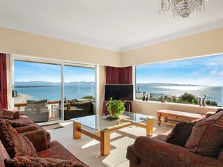 A View with a House - Nelson Holiday Home, Nelson