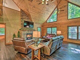 Log Cabin w/ Resort-Style Hot Tub: 5 Mi to Skiing!